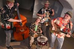 Bernd Bauer Blues Band, von links: Albrecht Widmann am Bass, Sigrun Lenk Schlagzeug, Heiko Reißmann Blues Harp, Percussion, Bernd Bauer Gitarre und Gesang